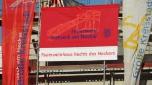 Der Rohbau des Feuerwehrhauses rechts des Neckars steht!