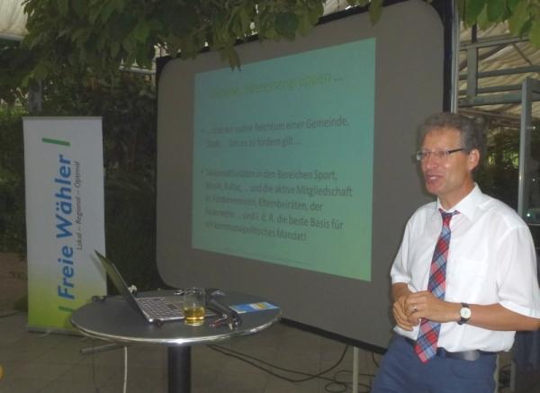Friedhelm Werner bei seinem anregenden Vortrag