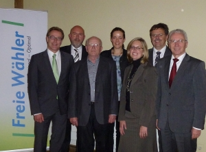 Gruppenfoto nach der Nominierung: Steffen Döttinger, Gerhard Waldbauer, Rainer Graze, Ramona Geiger, Isabel Eisterhues, Ludwig Scherr und Karl-Heinz Balzer (von links)