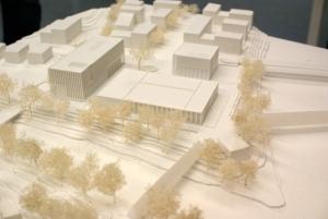 In der Nähe des neuen Rathauses (im Bild oben links) können wir uns für die Zukunft ein Ärztehaus vorstellen.