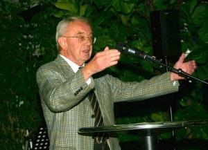 Heinz Kälberer hat am 07.11.2014 den Freien Wählern Remseck zum 20-jährigen Bestehen ihres Ortsvereines gratuliert