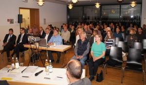 Die Anwesenden verfolgten mit großem Interesse die Vorträge der Referenten und beteiligten sich lebhaft an der Diskussion zur ÖPNV-Situation in Pattonville.