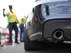 Es kann teuer werden, wenn die Polizei Auto-Poser aus dem Verkehr zieht